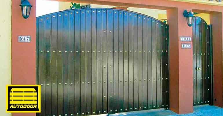 Puertas Automáticas Abatibles Autodoor barnizado